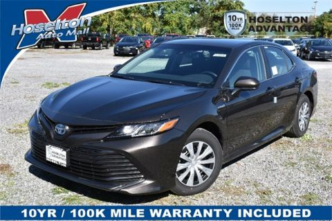 New 2018 Toyota Camry Hybrid LE